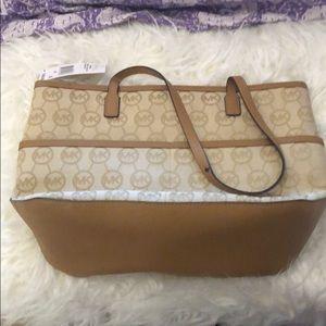 MICHAEL Michael Kors Bags - NWT Michael Kors handbag
